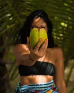 Noix de coco femme